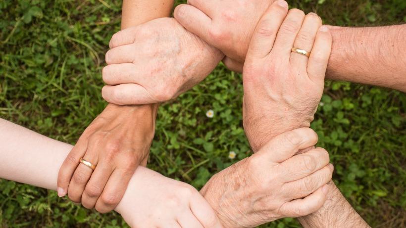 שרשרת ידיים